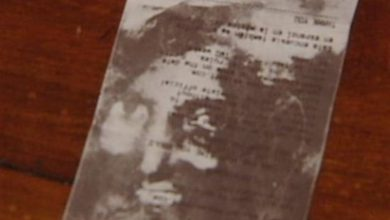 Photo of Couple Finds Image of Jesus in Walmart Receipt