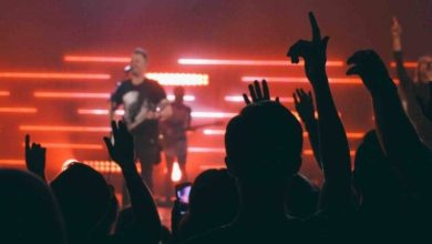 Photo of Pastors: Should Your Worship Leader Also Lead Communications?