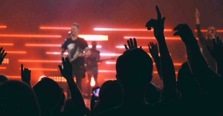 Pastors: Should Your Worship Leader Also Lead Communications